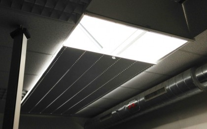 Stores plissés anti-chaleur horizontal classe M1